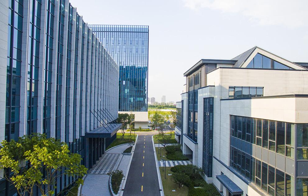 春华创投首笔孵化项目:被投企业CEO为英国医学科学院院士曾创办两家上市公司_创业团队